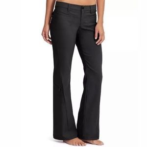Athleta size 12 dipper cargo pants black